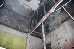 Zachowane elementy stalowej konstrukcji z czasów budowy 1890-92. Przeznaczone do rewitalizacji. Zdjęcie wykonane w 2013 r.
