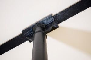 Elementy pierwotnej stalowej konstrukcji z zabytkowymi zwieńczeniami